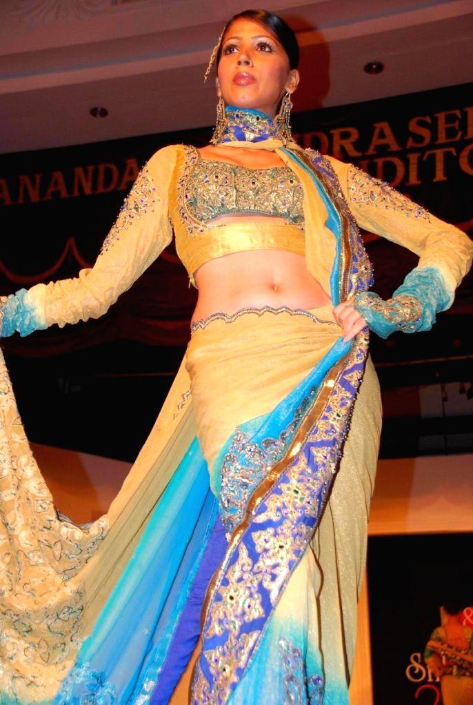 A Model walking the ramp at the BD Somani's fashion show in Mumbai.