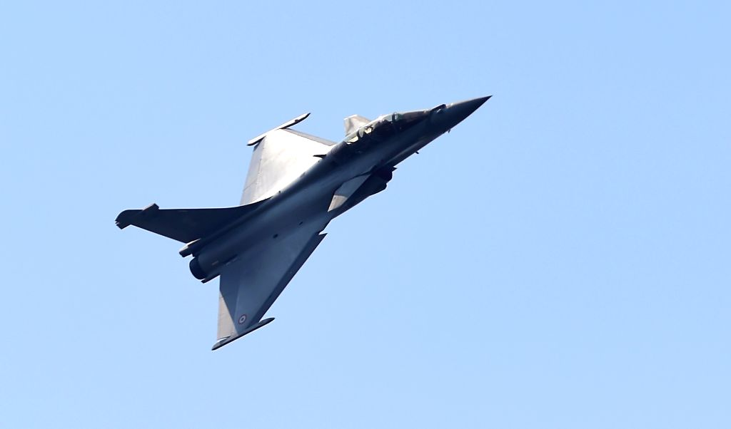 A Rafale fighter aircraft seen during rehearsals ahead of AERO India 2019 at Air Force Station Yelahanka in Bengaluru on Feb 15, 2019.