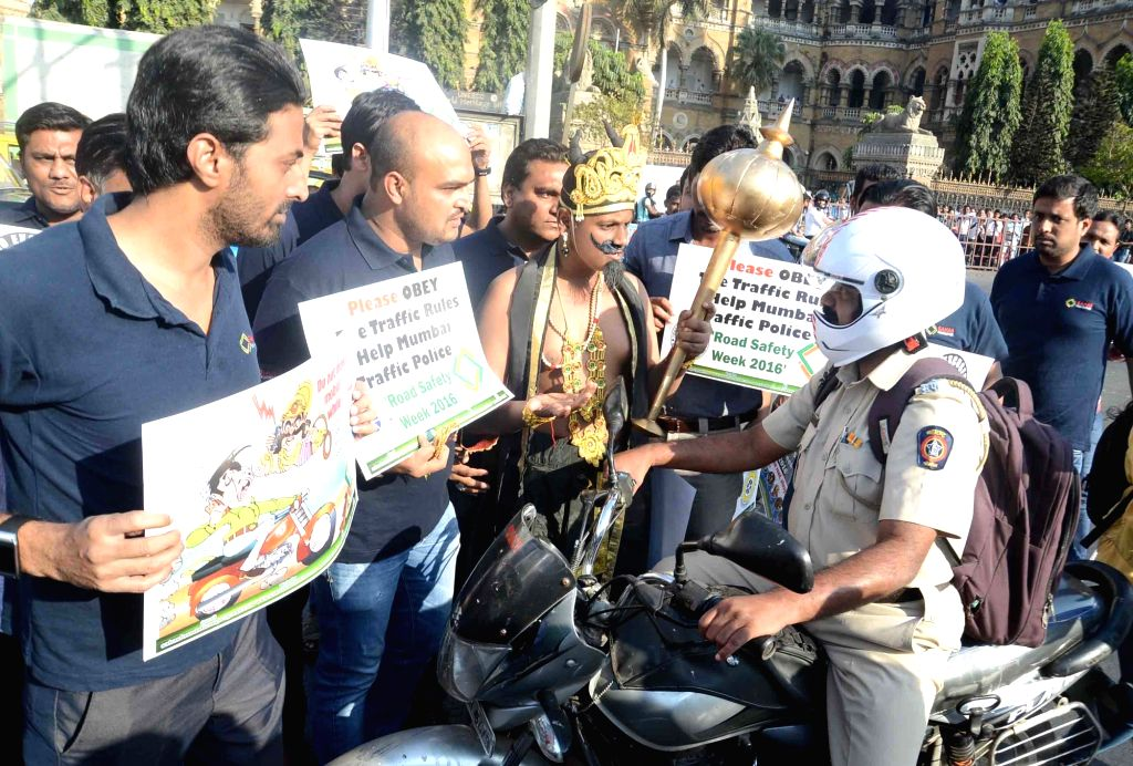 A road safety awareness programme organised by Sahas Foundation during the `Road Safety Week 2016` in Mumbai, on Jan 14, 2016.