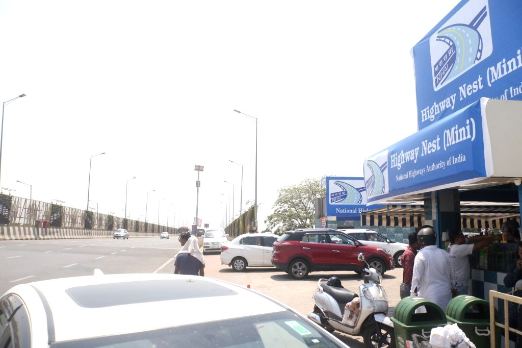 A shikanji outlet sanctioned by NHAI at the mouth of the 14-lane Delhi-Meerut expressway in New Delhi on June 8, 2019.