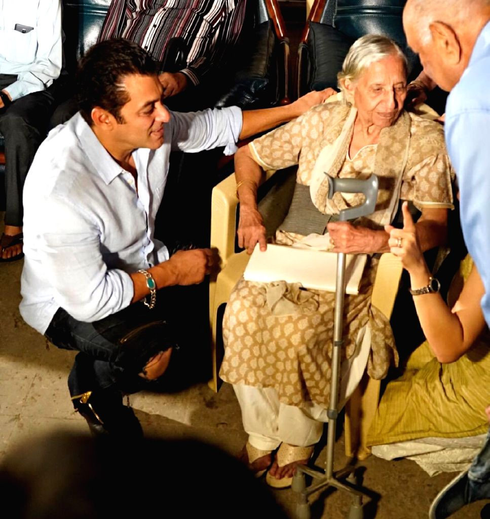 "A special screening of ""Bharat"" was hosted for the families who experienced the events of 1947 and the partition, says superstar Salman Khan. - Salman Khan"