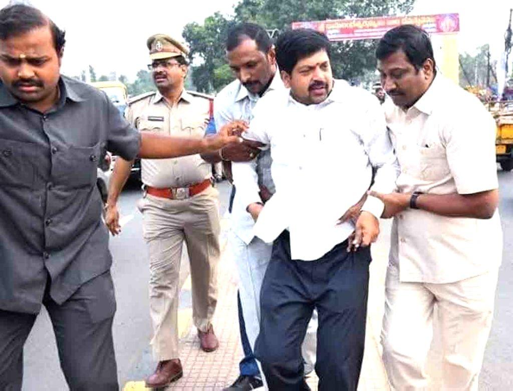 A special team takes former Fisheries Minister Kollu Ravindra to shift him to Machilipatnam, on July 4, 2020. Andhra Pradesh police arrested Telugu Desam Party (TDP) leader and former ... - Kollu Ravindra and M. Bhaskar Rao
