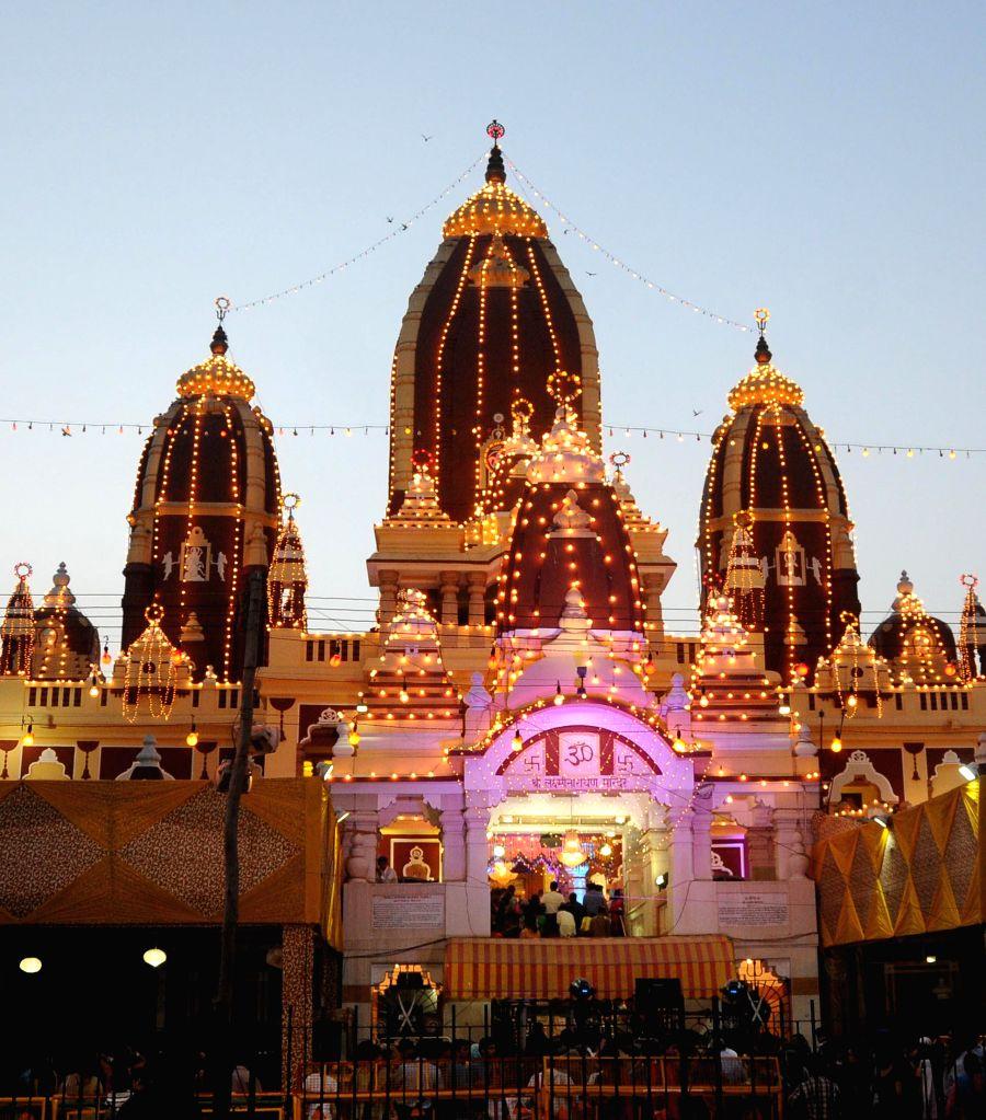 A spectacular view of Lakshmi Narayan Mandir popularly known as Birla Mandir on Janmashtami in New Delhi on Aug 17, 2014.