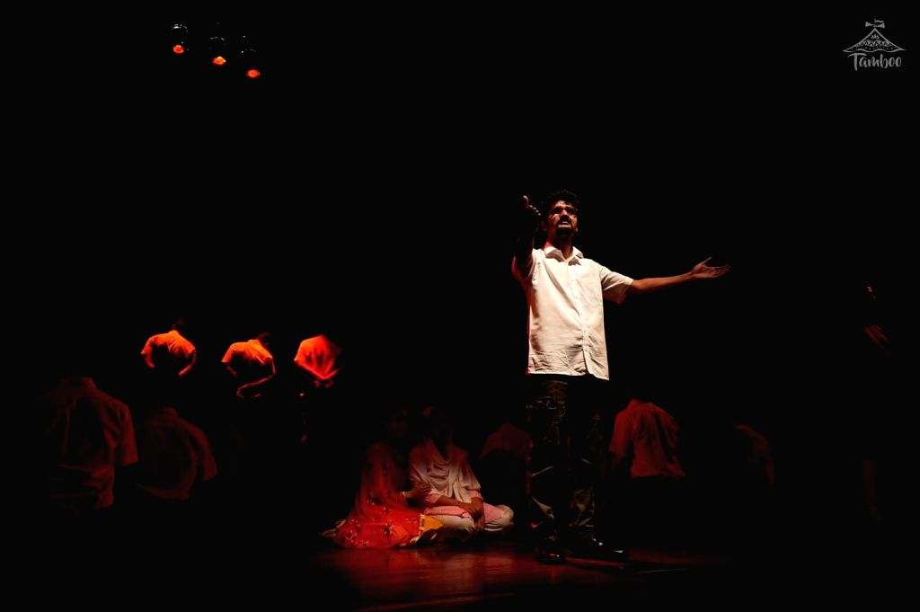 A still from 'Gagan Damama Bajyo', Piyush Mishra's musical play on the life and times of Bhagat Singh - Piyush Mishra and Bhagat Singh