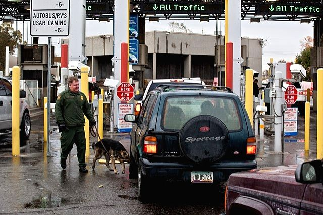 A United States-Mexico border crossing at San Luis, California.