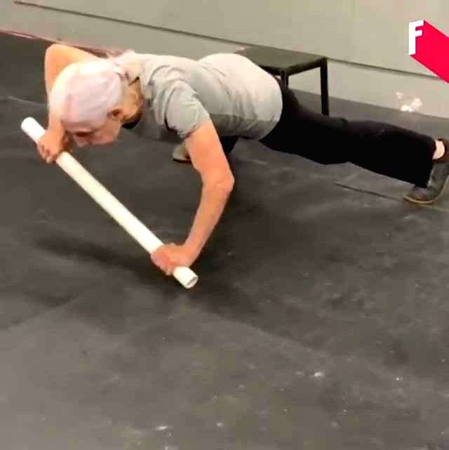 A video clipping of a 72-year-old retired teacher Lauren Bruzzone doing some awe-inspiring exercises in a gym has won awe and admiration from Twitter users. Twitterati was full of praise for the old lady. Industrialist Anand Mahindra was among those