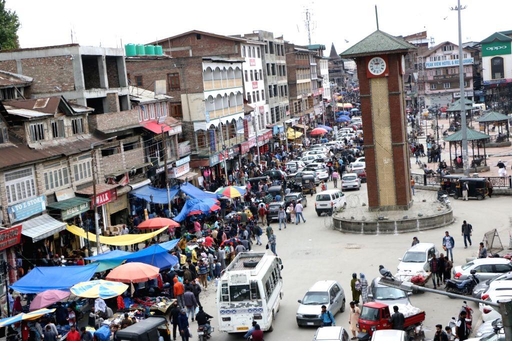 A view of a crowded market ahead of Eid-Ul-Fitr in Srinagar, on June 4, 2019.