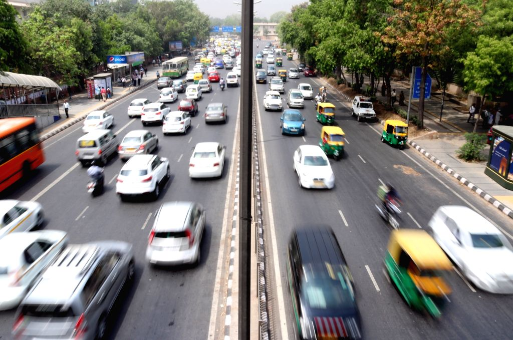 A view of Delhi traffic on the fifth day of implementation of odd-even traffic scheme aimed at battling pollution in New Delhi on April 19, 2016.