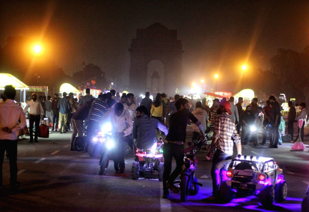 A view of India gate light on off after and before during the Earth Hour in new Delhi on Saturday March 27, 2021 .