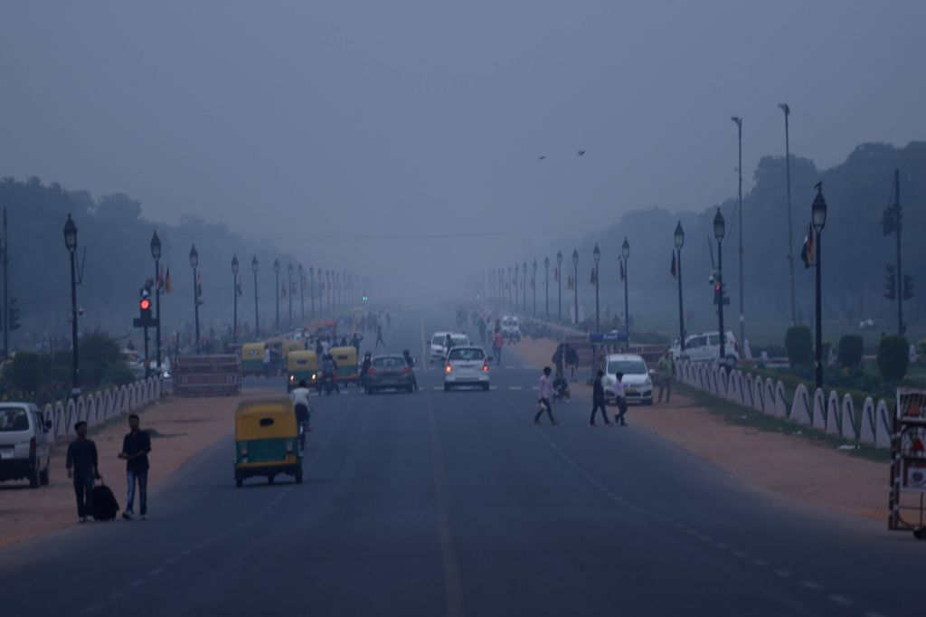A view of Rajpath engulfed in smog, in New Delhi on Oct 29, 2019.