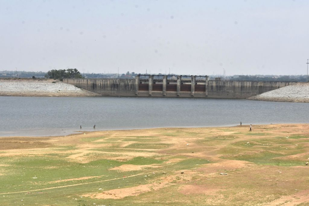 A view of Ranchi???s main water reservoir Dhurwa Dam, the water level of which has started decreasing as the temperature has started rising, on Apr 24, 2020.
