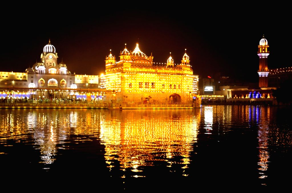 Golden Temple on the eve of Diwali