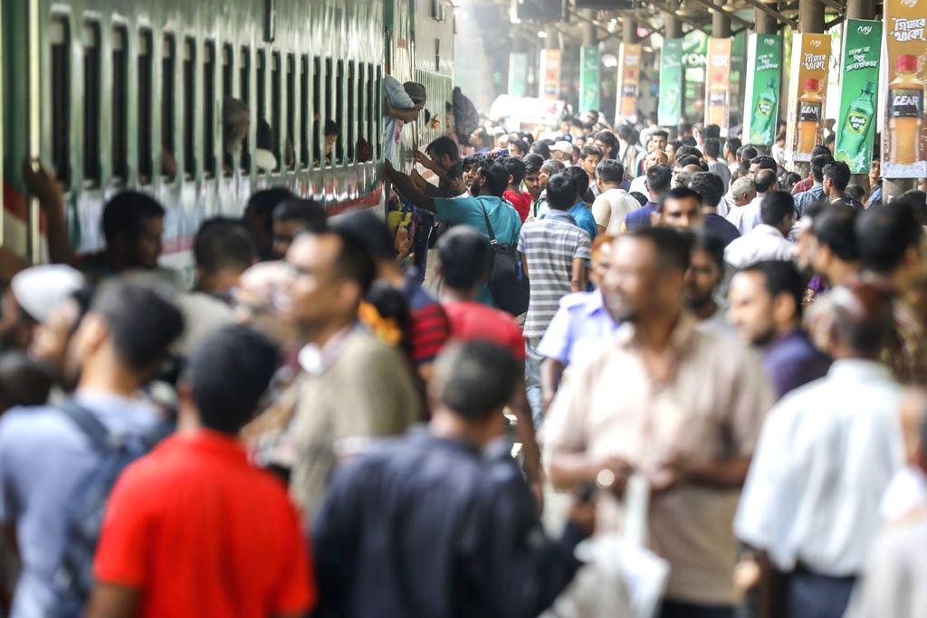 A view of the crowded Biman Bandar railway station ahead of Eid in Dhaka, Bangladesh on May 28, 2019.