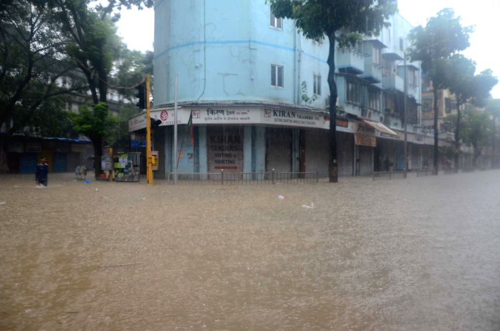 A view of the water-logged Hindmata road as heavy rains continue to batter Mumbai, on July 10, 2018.