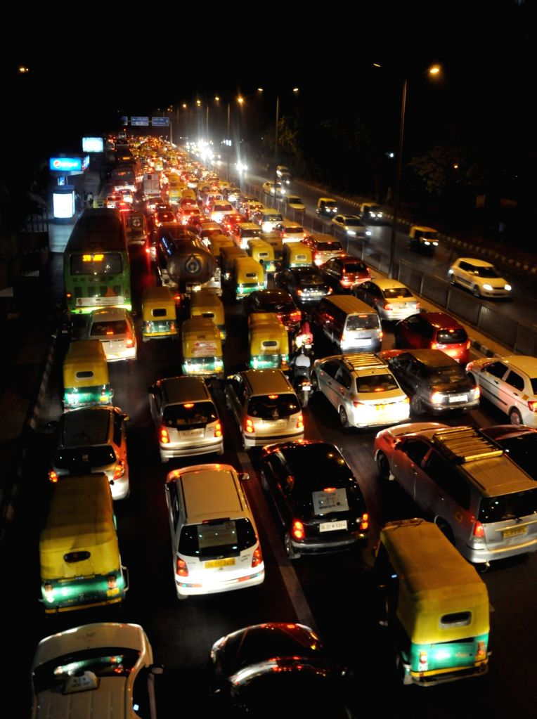 A view of traffic at ITO on the fifth day of implementation of odd-even traffic scheme aimed at battling pollution in New Delhi on April 19, 2016.