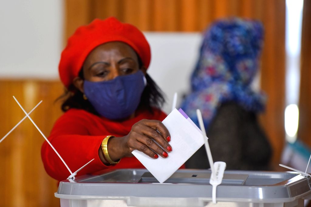 A voter is casting her vote at a polling station in Addis Ababa, Ethiopia, on June 21, 2021. (Xinhua/Michael Tewelde)