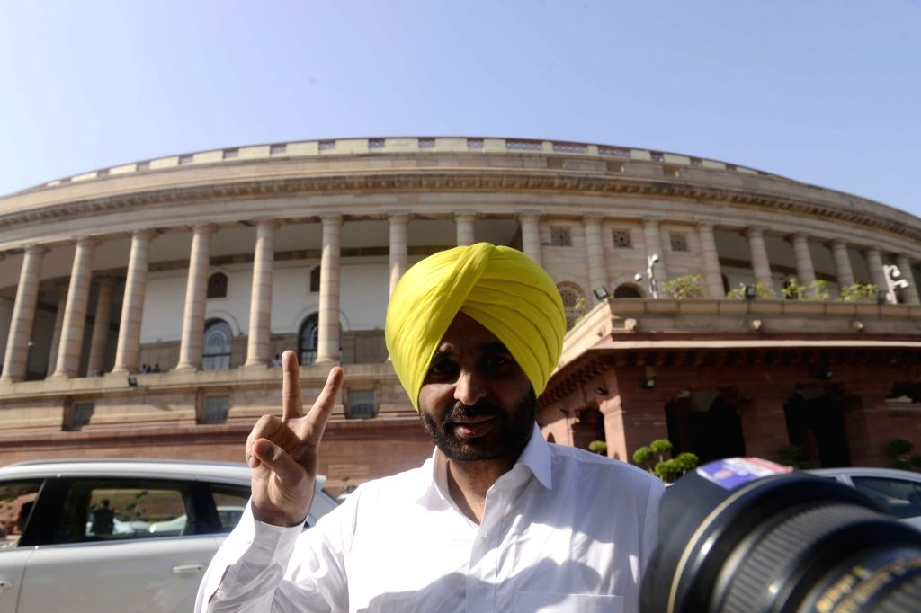 Aam Aadmi Party (AAP) MP Bhagwant Mann at Parliament in New Delhi on Nov 28, 2016.