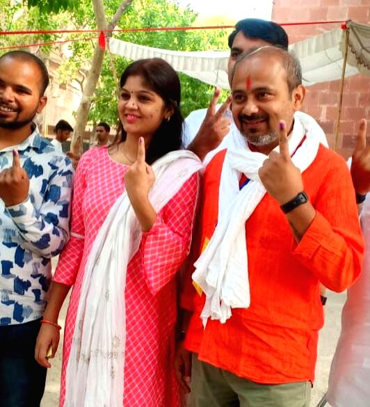 Aam Aadmi Party's (AAP) candidate for North East Delhi Lok Sabha seat, Dilip Pandey shows his forefinger marked with indelible ink after casting vote during the sixth phase of 2019 Lok ... - Dilip Pandey