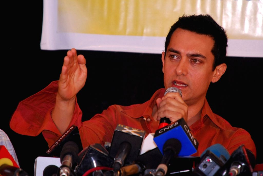 Aamir Khan interacts with the media at the press conference to launch a Nationwide Voter Awareness campaign in association with ADR (Association for democratic reforms) and NEW (National election watc