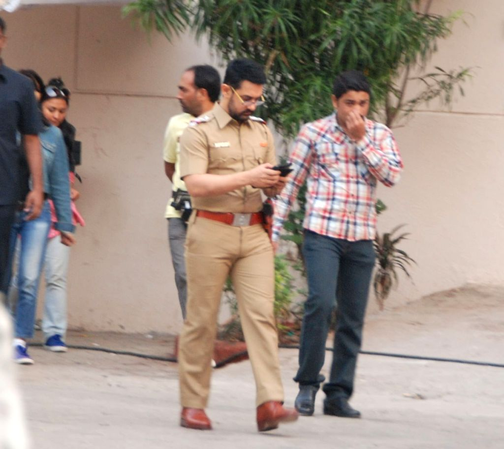 Aamir snapped in his new look at Reema Kagti's movie photoshoot