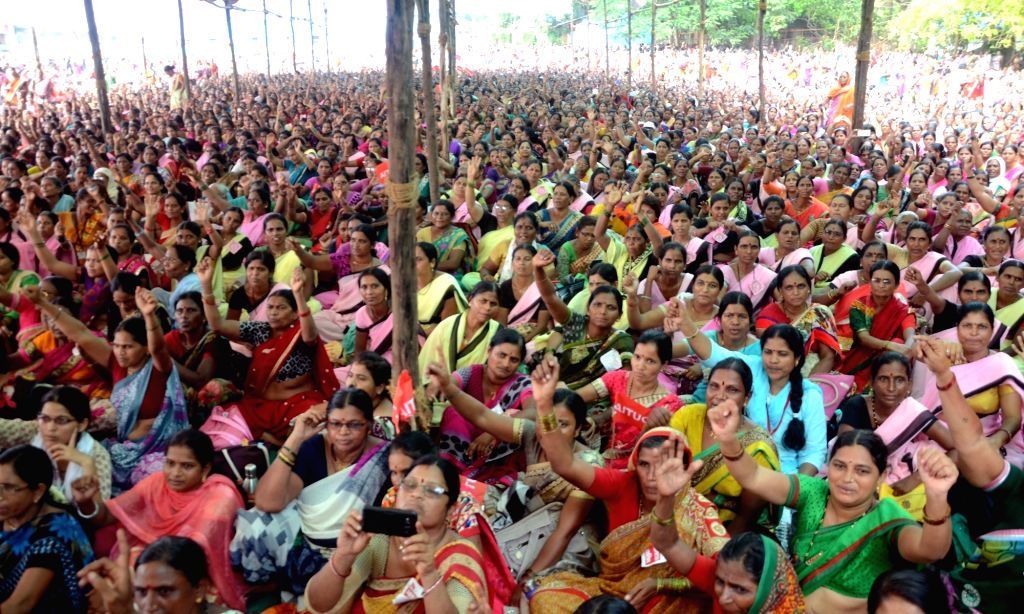 Aanganwdi workers during a protest rally to press for their demands at Azad Maidan in Mumbai on Sept 27, 2017.
