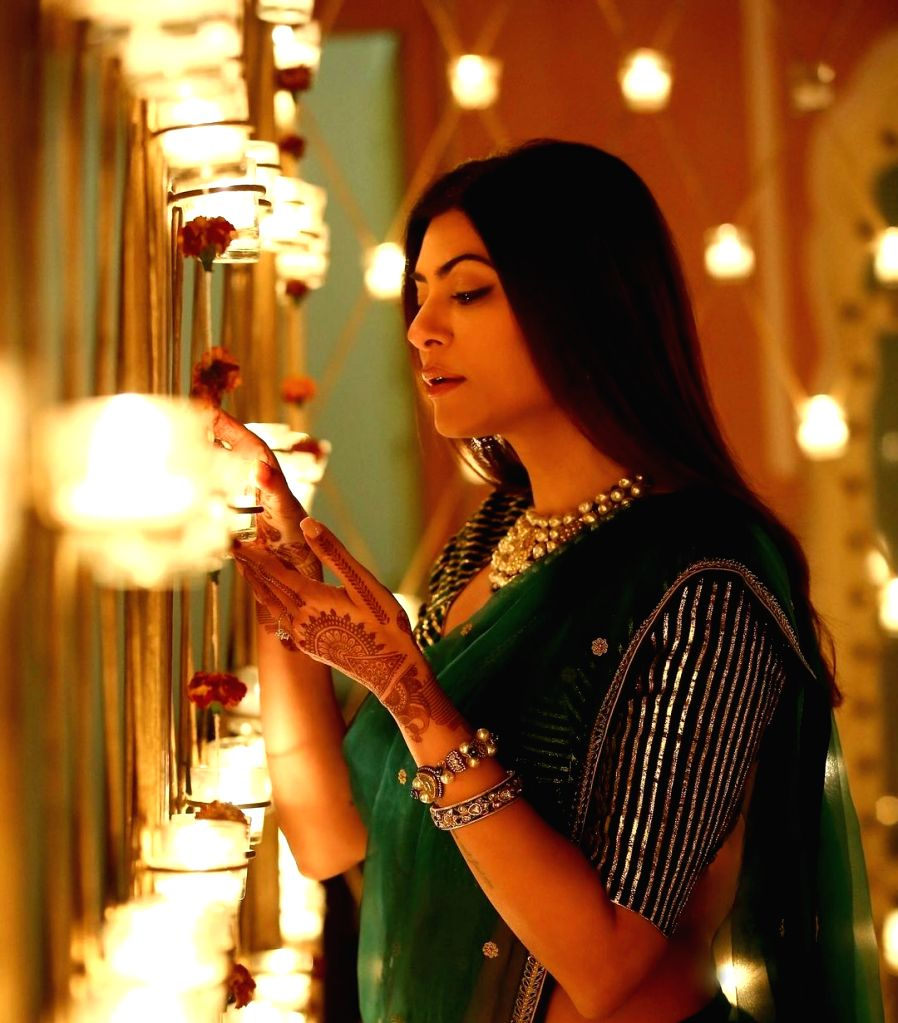 Aarya' turns one: Sushmita Sen posts a 'thank you' note.