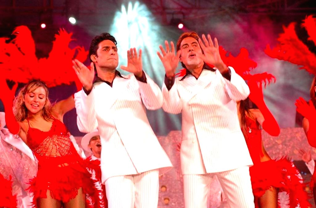 Abhishek recalls his first stage performance with 'pretty cool dude' Big B.
