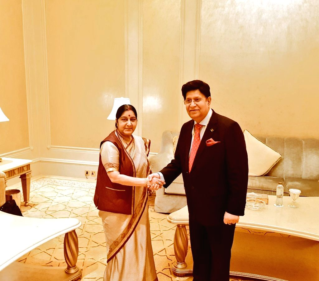 Abu Dhabi: External Affairs Minister Sushma Swaraj meets Bangladesh Foreign Minister AK Abdul Momen on the sidelines of the 46th Foreign Ministers Meeting of Organisation of Islamic Cooperation ... - Sushma Swaraj and Meeting
