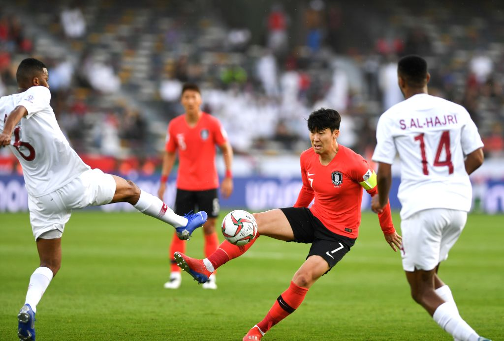 ABU DHABI, Jan. 25, 2019 - Son Hueng-min (2nd R) of South Korea competes during the quarterfinal match between South Korea and Qatar at the 2019 AFC Asian Cup in Abu Dhabi, the United Arab Emirates ...