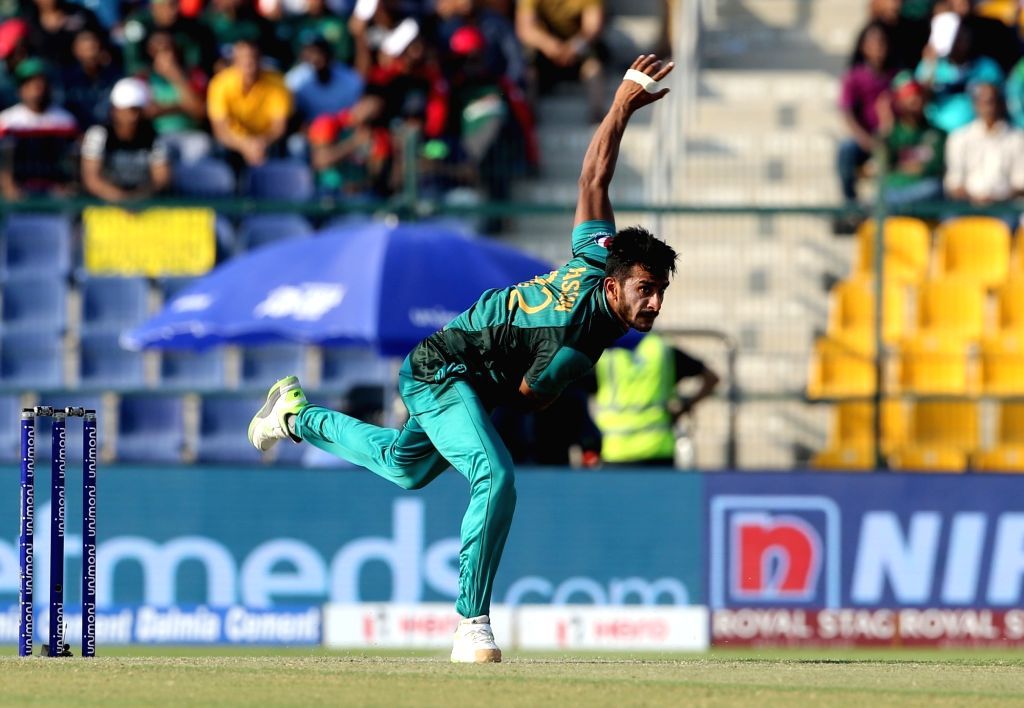 Abu Dhabi: Pakistan's Hasan Ali in action during the sixth match of Asia Cup 2018 Super Four between Bangladesh and Pakistan at Sheikh Zayed Stadium in Abu Dhabi, UAE on Sept 26, 2018. (Photo: Surjeet Yadav/IANS) - Surjeet Yadav