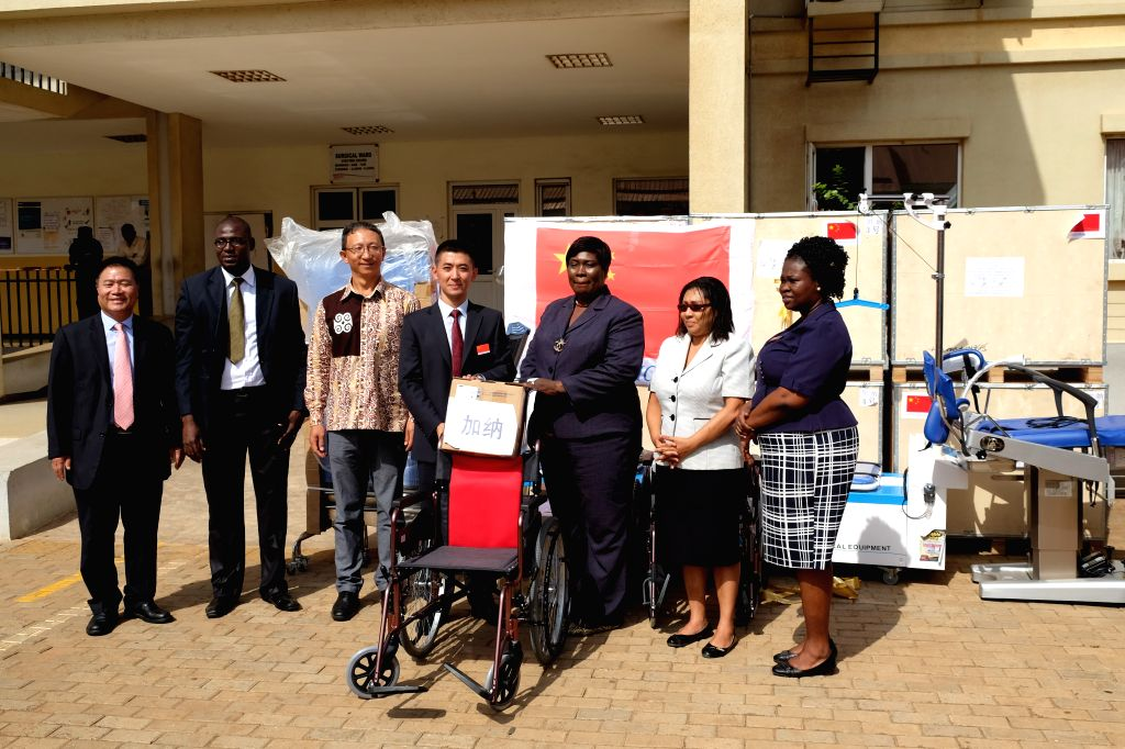 ACCRA, March 14, 2017 - Anastasia Yirenkyi (3rd R), director for alternative and traditional medicine at the Ministry of Health, and Dong Jingqing (4th L), captain of the 6th cohort of the Chinese ...