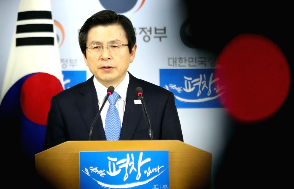 Acting President and Prime Minister Hwang Kyo-ahn makes a public statement on March 10, 2017, in Seoul, appealing to all sides to accept the Constitutional Court's ruling to dismiss the ... - Hwang Kyo