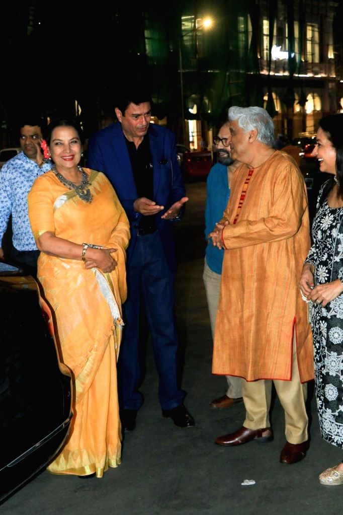 Activist, poet, lyricist and screenwriter Javed Akhtar, his wife Shabana Azmi and actor Kanwaljit Singh at wildlife conservationist and photographer Aditya Singh's exhibition in Mumbai on Oct ... - Kanwaljit Singh and Shabana Azmi