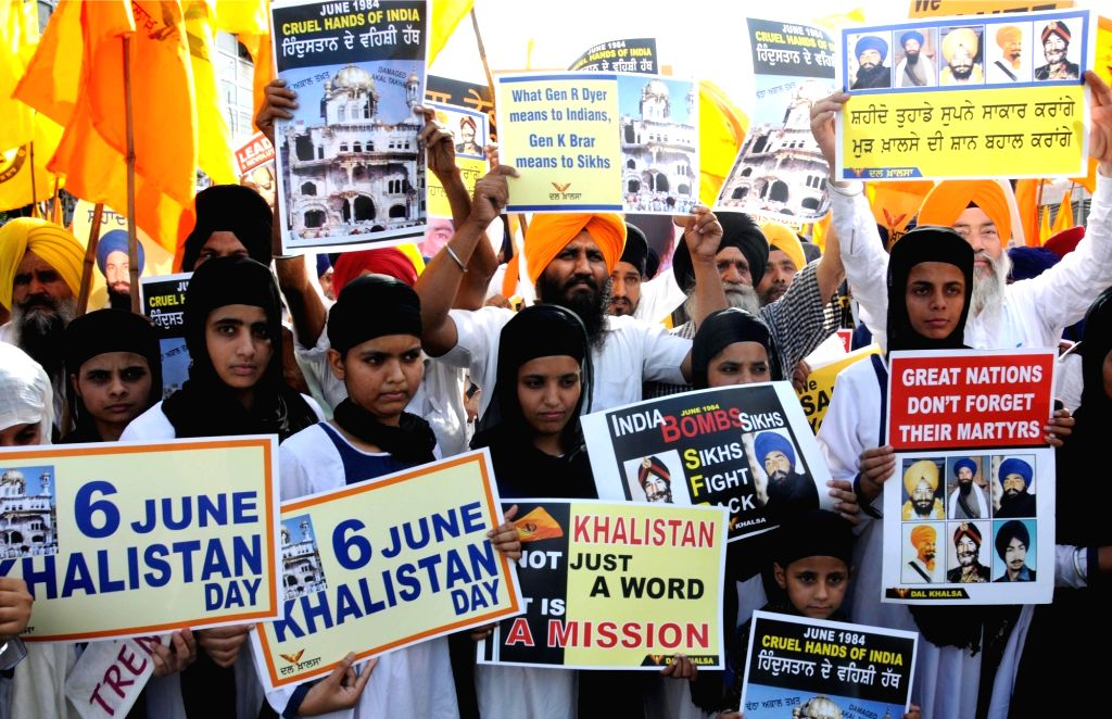 Activists of Dal Khalsa - a Sikh radical group stage a demonstration ahead of the anniversary of Operation Blue Star in Amritsar on June 3, 2016.