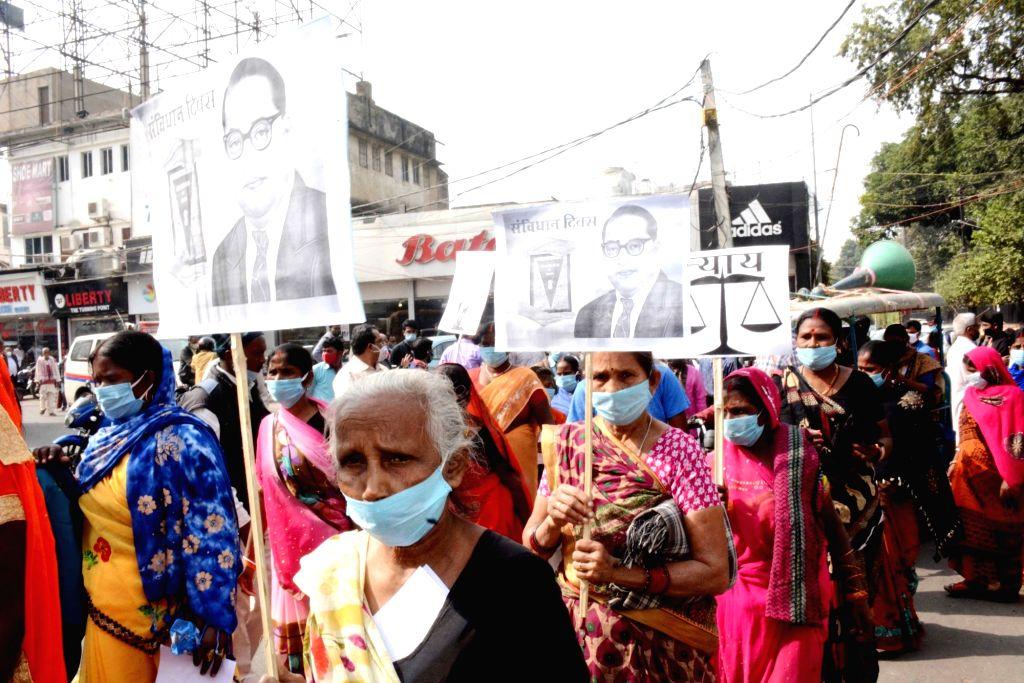 Activists of Nagrik Adhikar Manch protest on Constitution Day, in Patna on Nov 26, 2020.