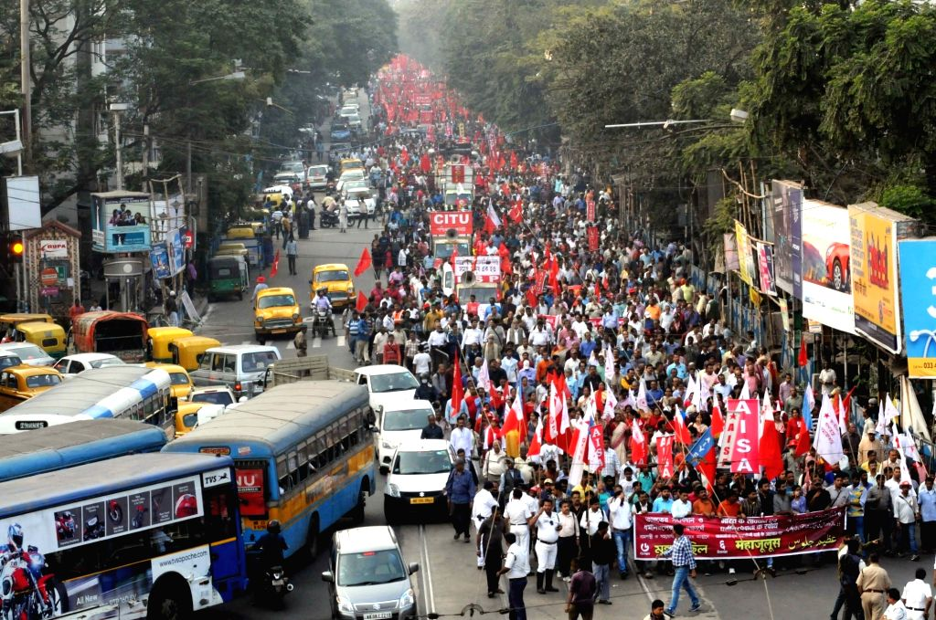Activists of various Leftist organisations participate in a rally on the 26th anniversary of Babri Masjid demolition, in Kolkata on Dec 6, 2018.