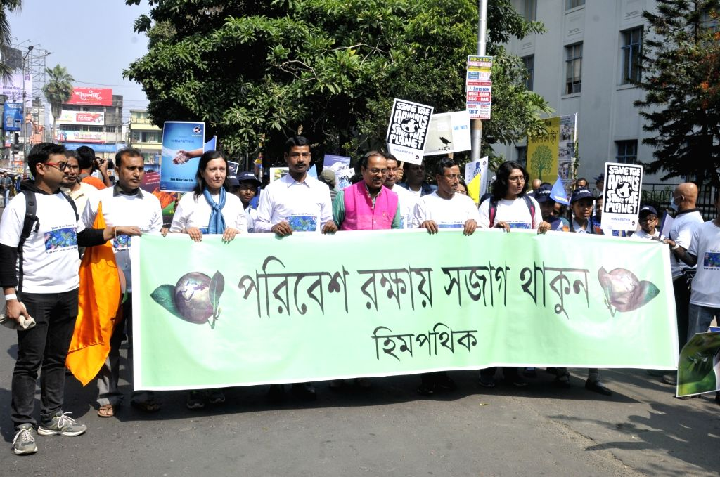 """Activists participate in """"Save Environment, Save Earth"""" awareness rally, in Kolkata on Feb 9, 2020."""