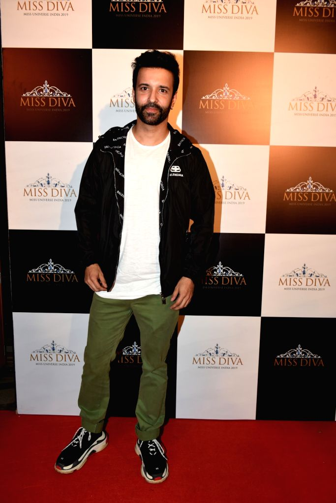 Actor Aamir Ali at the Unveiling ceremony of Miss Diva Supranational 2019 where Vartika Singh was announced Miss Diva Universe 2019, Shefali Sood Miss Diva Supranational 2019 and Varun Verma ... - Aamir Ali, Vartika Singh and Varun Verma