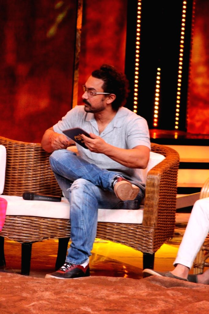 "Actor Aamir Khan during the visit on the set Of "" Sa Re Ga Ma Pa 2017"" in Mumbai on May 20, 2017. - Aamir Khan"