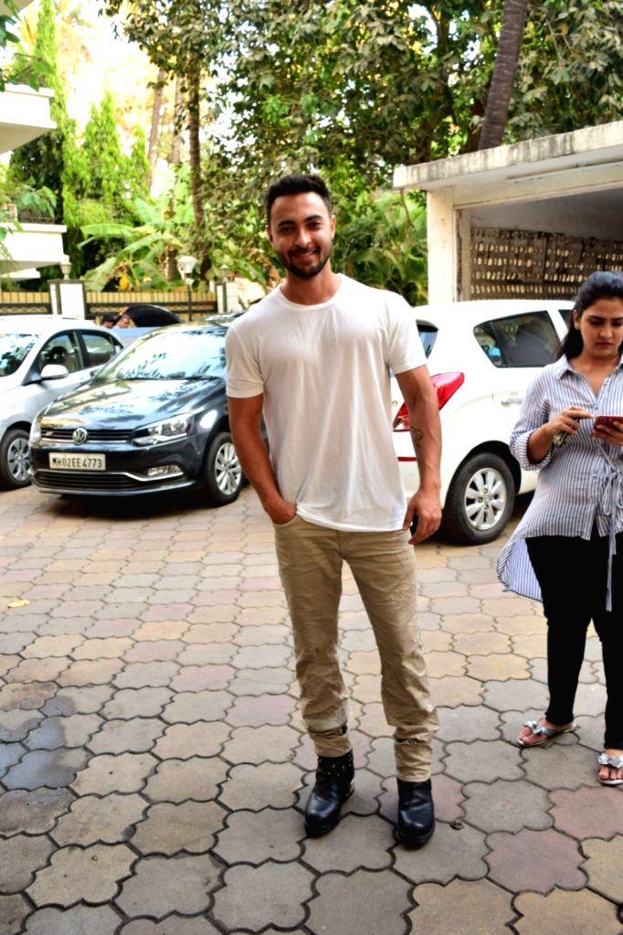 Actor Aayush Sharma seen at Juhu in Mumbai on March 18, 2020. - Aayush Sharma