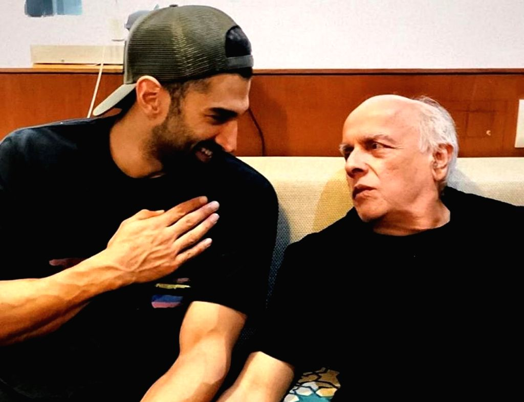 """Actor Aditya Roy Kapur shared a photograph of himself with filmmaker Mahesh Bhatt, who he described as the """"ringmaster"""", from the sets of his next film """"Sadak 2"""". Aditya on ... - Aditya Roy Kapur"""