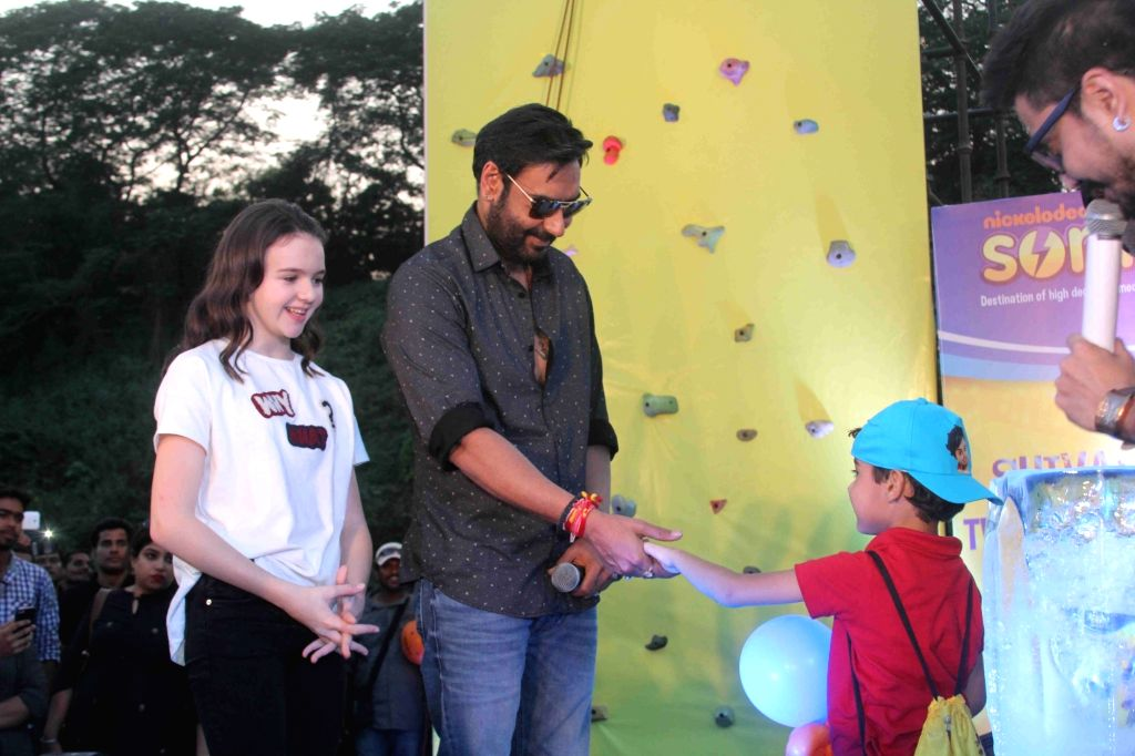 """Actor Ajay Devgn during premiere of his film """"Shivaay"""" in Mumbai, on Oct 29, 2016. - Ajay Devgn"""