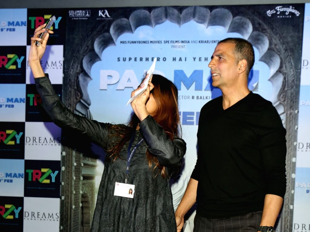 """Actor Akshay Kumar along with his wife Twinkle Khanna during a press conference to promote his upcoming film """"Pad Man"""" in New Delhi on Feb 5, 2018. - Akshay Kumar and Khanna"""