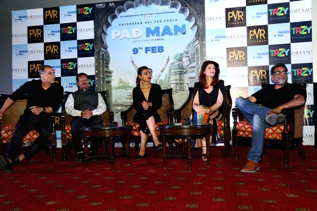 """Actor Akshay Kumar along with his wife Twinkle Khanna, actress Radhika Apte and filmmaker R Balki during a press conference to promote their upcoming film """"Pad Man"""" in New Delhi ... - Akshay Kumar and Khanna"""
