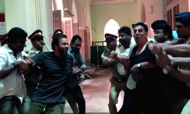 """Actor Akshay Kumar and his """"Sooryavnshi"""" director Rohit Shetty have dismissed rumours that they have had a fallout, by posting a hilarious video on Instagram. - Akshay Kumar and Rohit Shetty"""
