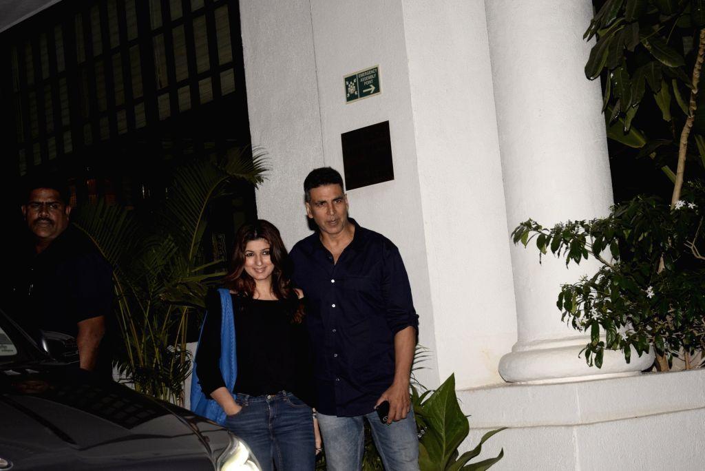 Actor Akshay Kumar and Twinkle Khanna seen at Juhu restaurant in Mumbai Feb. 1, 2019. - Akshay Kumar and Khanna