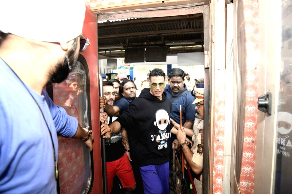"""Actor Akshay Kumar arrives at Borivali railway station to travel by a special promotional train from Mumbai to Delhi as part of 'Housefull4Express' rail journey during """"Housefull 4"""" ... - Akshay Kumar"""