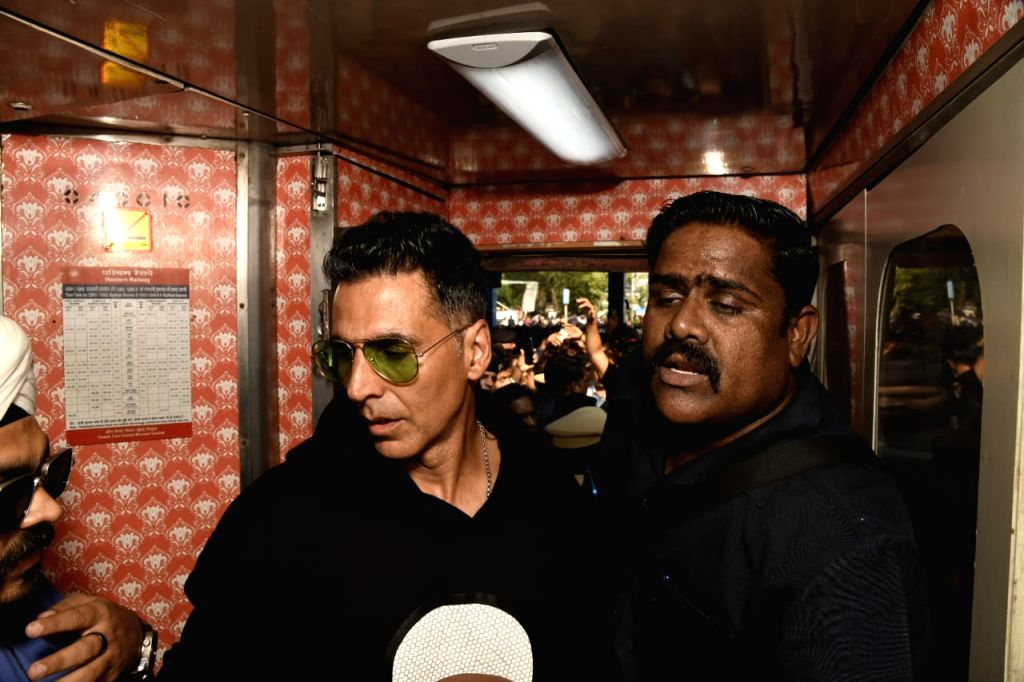 """Actor Akshay Kumar boards a special promotional train from Mumbai to Delhi as part of 'Housefull4Express' rail journey during """"Housefull 4"""" promotions, in Mumbai on Oct 16, 2019. - Akshay Kumar"""