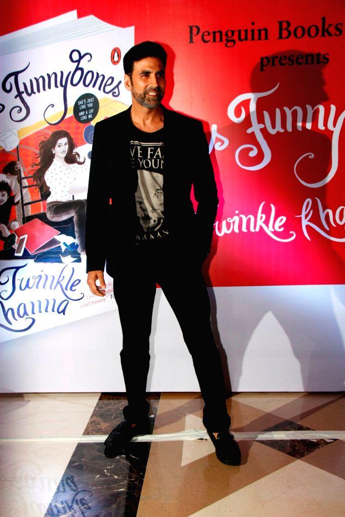 Actor Akshay Kumar during the launch of her book Mrs.Funnybones, in Mumbai, on Aug 18, 2015. - Akshay Kumar