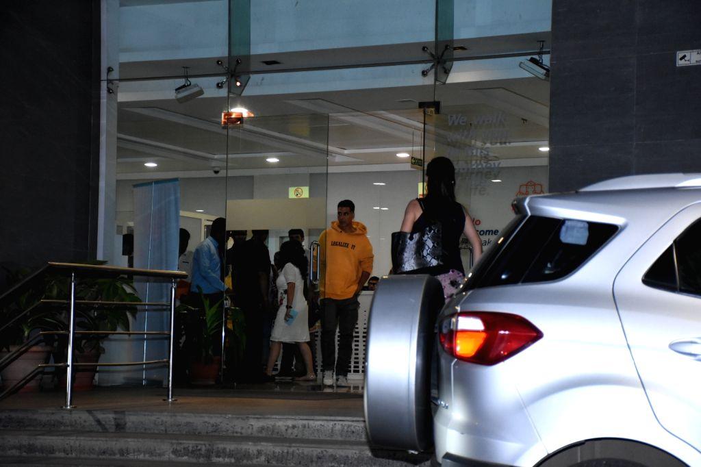 Actor Akshay Kumar seen at a hospital in Mumbai on Nov 14, 2019. - Akshay Kumar